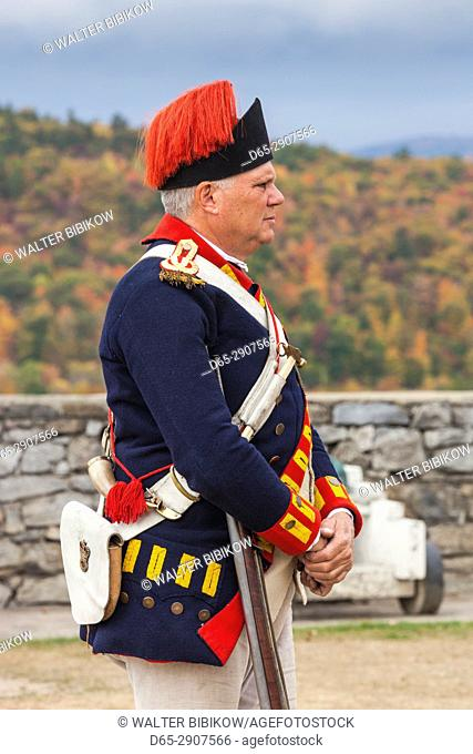 USA, New York, Adirondack Mountains, Ticonderoga, Fort Ticonderoga, soldier in uniform of Colonial bombardier, MR, MR-NY-16-005