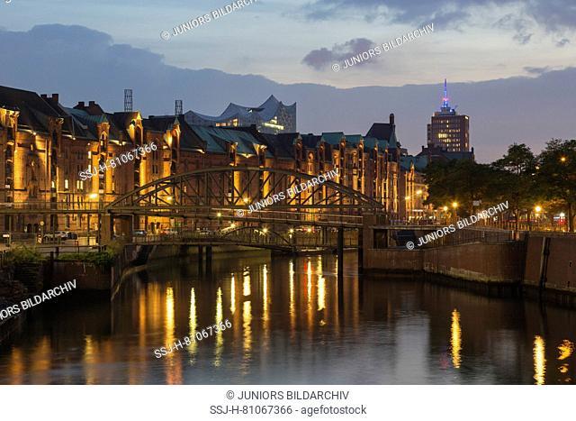View of canal Zollkanal at night. Speicherstadt, Hamburg, Germany