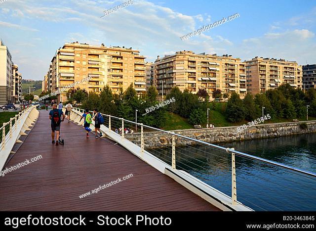 Footbridge over the Urumea River, Apartment building, Riberas de Loiola, Donostia, San Sebastian, Gipuzkoa, Basque Country, Spain, Europe
