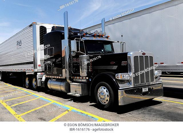 American truck, Route 66, near Seligman, Arizona, USA, North America