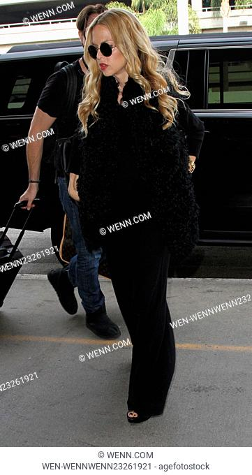 Rachel Zoe and husband Rodger Berman depart on a flight from Los Angeles International Airport (LAX) Featuring: Rachel Zoe Where: Los Angeles, California