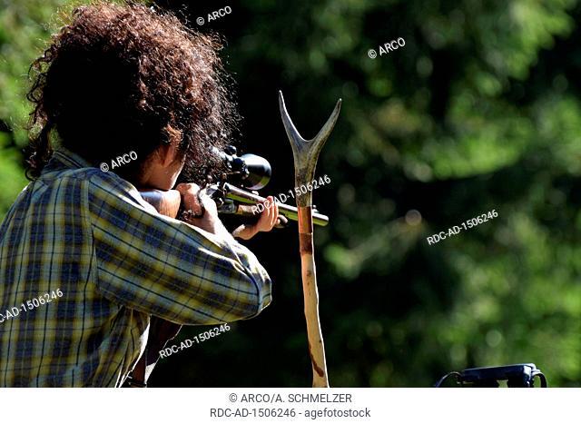 Huntswoman, shotgun, Germany