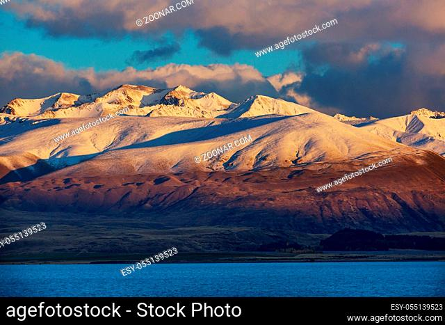 Amazing natural landscapes in New Zealand. Mountains lake at sunset