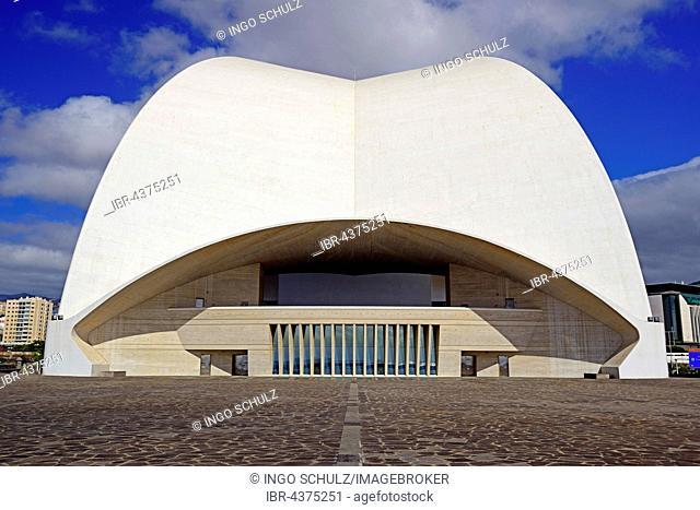 Auditorium by Santiago Calatrava, water-side, congress and concert hall, Santa Cruz Island, Tenerife, Canary Islands, Spain
