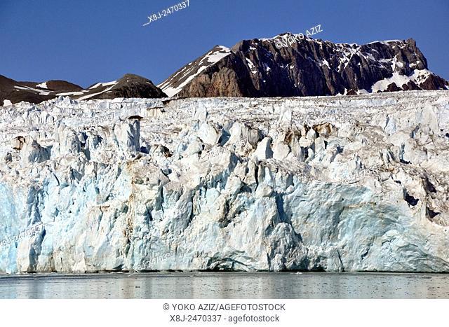 Norway, Svalbard islands, Spitsbergen island, icebergs and glacier