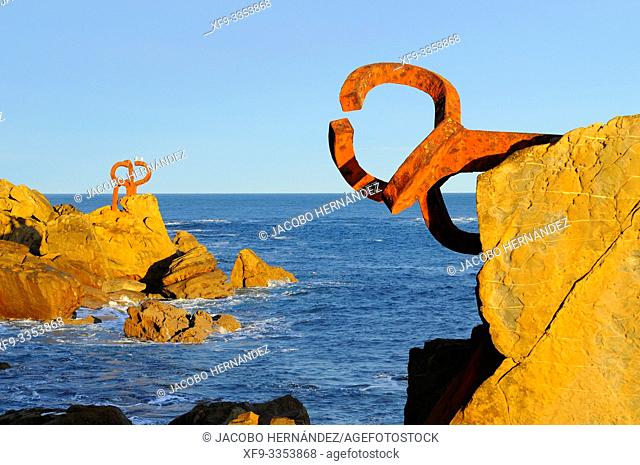 Peines del Viento. Sculpture by Eduardo Chillida. La Concha Bay.San Sebastián. Donostia. Guipúzcoa province. País Vasco. Spain