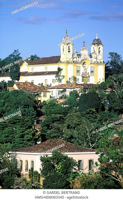 Brazil, Minas Gerais state, Tiradentes, Matriz de Santo Antonio Church overhanging the city
