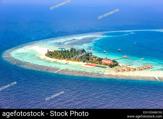 Malediven Insel Urlaub Paradies Meer Textfreiraum Copyspace Maayafushi Resort Ari Atoll Luftbild Tourismus