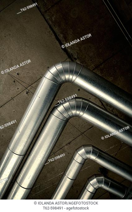 Pipelines in industrial installation