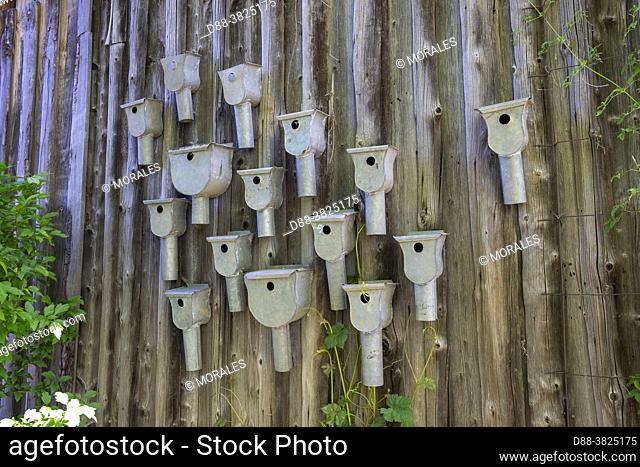 France, Grand Est Region, Alsace, Bas Rhin (67), Saint Maurice (67220), Jardin Cali Canthus, ornamental garden, decorative, visited by the public, nests for