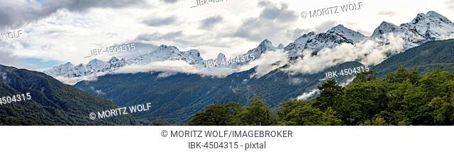 Mountain range with snow, Fiordland National Park, Southern Alps, Southland Region, Southland, New Zealand