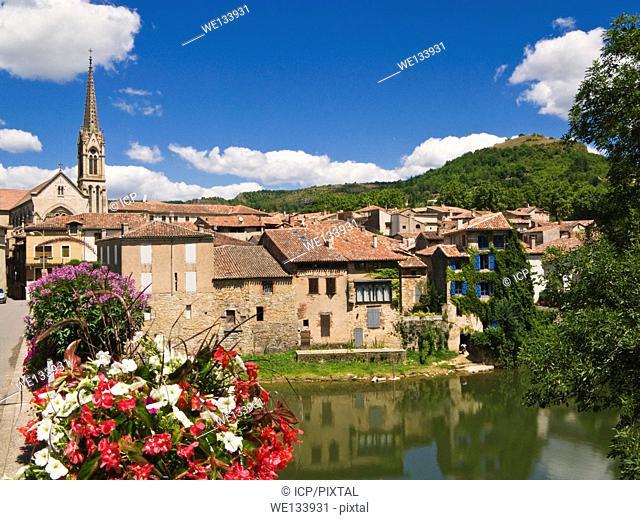 St Antonin Noble Val on the river Aveyron, Tarn-et-Garonne, France, Europe