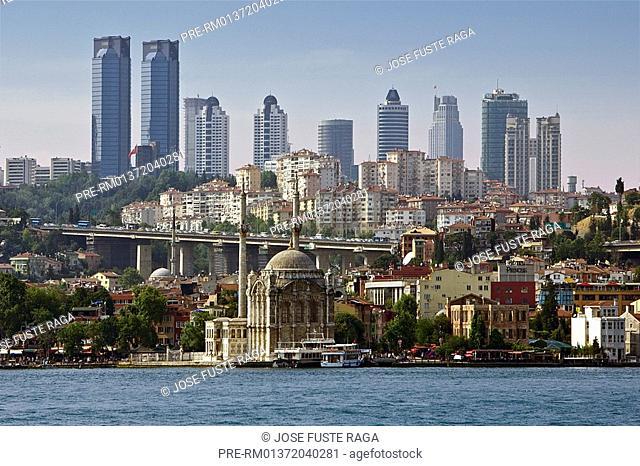 Bosphorus Strait with Ortakoy Mosque, Istanbul, Turkey, Europe