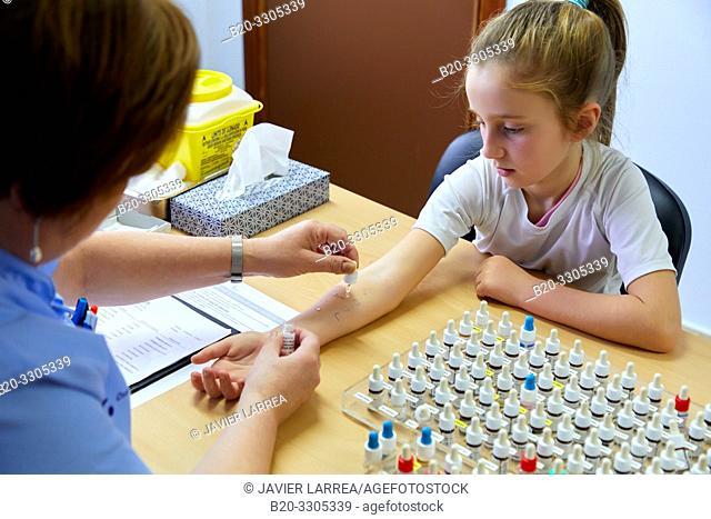 Skin tests with liquid extracts of allergens, Allergology, Pediatrics, Medical care, Hospital Donostia, San Sebastian, Gipuzkoa, Basque Country, Spain