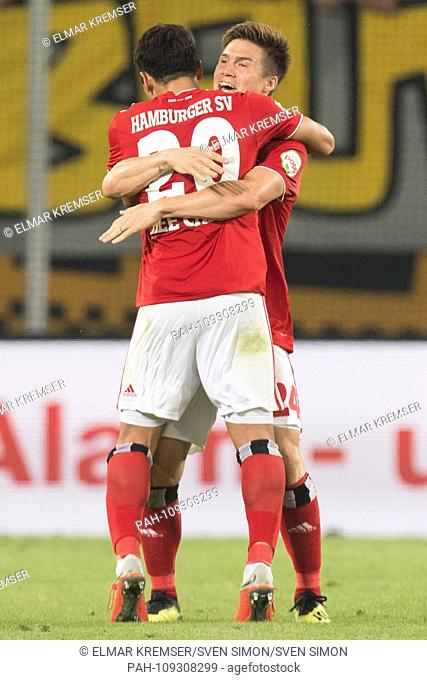 Hee Chan HWANG (left, HH) celebrates with Gotoku SAKAI (HH) after the final whistle, jubilation, cheering, cheering, joy, cheers, celebrate, final jubilation