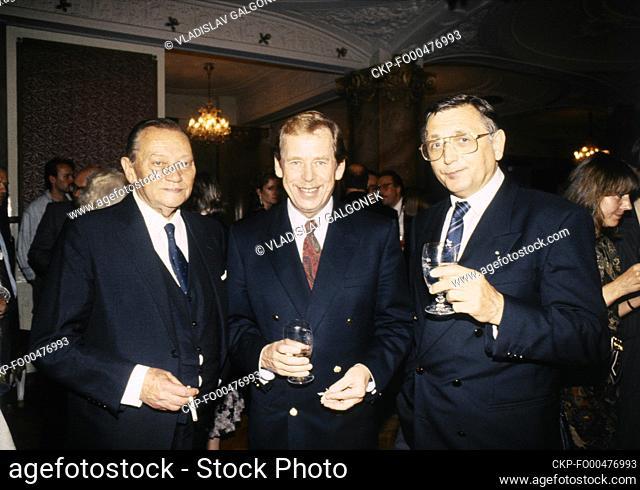 ***FILE PHOTO*** (R-L) Czech director Jiri Menzel, Czechoslovak President Vaclav Havel and Czech actor Rudolf Hrusinky in Prague, Czech Republic, September 23