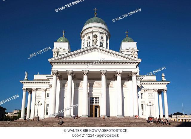 Finland, Helsinki, Senate Square, Senaatintori, Tuomiokirko, Lutheran Cathedral