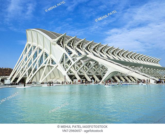 The Science Museum (Museu de les Ciències) designed by architect Santiago Calatrava in the City of Arts and Sciences complex, Valencia, Spain