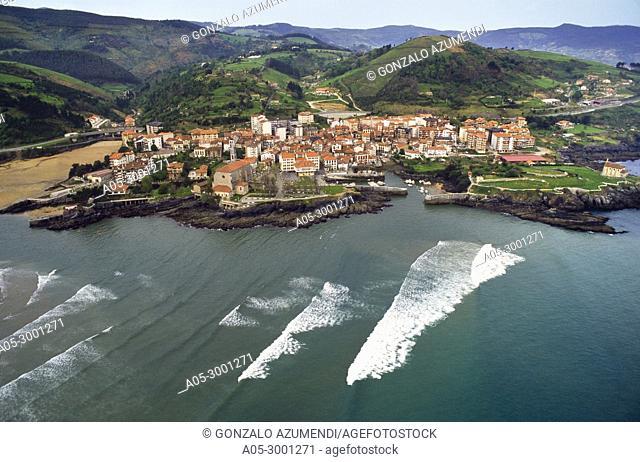 Mundaka and Urdaibai Estuary. Urdaibai biosphere Reserve. Urdaibai. Region. Bizkaia. Basque Country. Spain