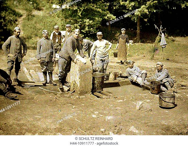 War, Europe, world war I, 1917, Europe, world war, color photo, Autochrome, F. Cuville, western front, department Aisne, France, Soissons, military camp