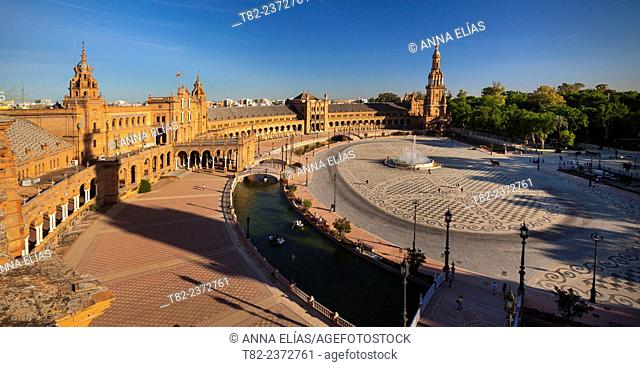 Overview of Spain Seville Square, the architect Anibal Gonzalez Andalucia, Spain, Europe Iberoamericana Heritage Exhibition 1929