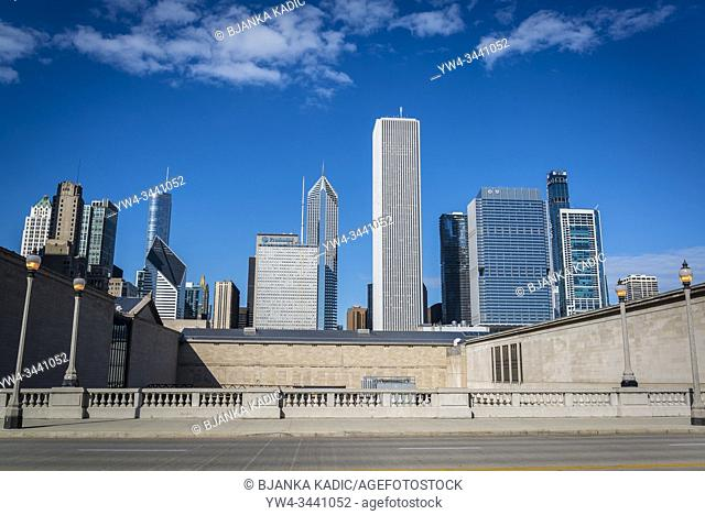 East Jackson Drive and skyline of skyscrapers north the Millennium Park, Chicago, Illinois, USA