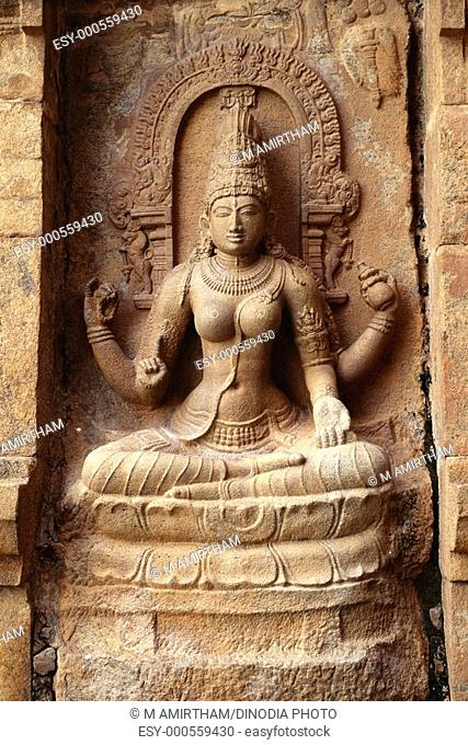 Saraswati statue on exterior wall of eleventh century Shiva temple on Gangaikondacholapuram , Tamil Nadu , India
