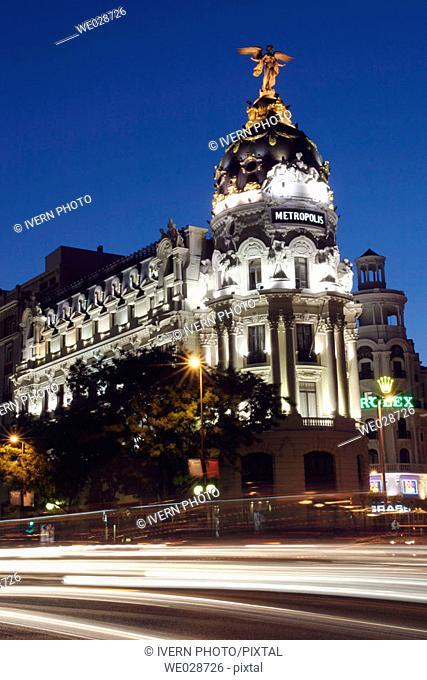 Metropolis building at night, Calle de Alcalá and Gran Via street corner. Madrid, Spain