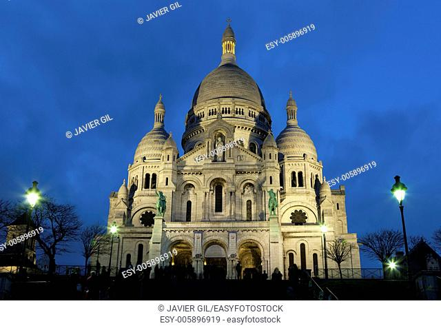 Nightfall in the sacre coeur, Montmartre, Paris, Ile de France, France