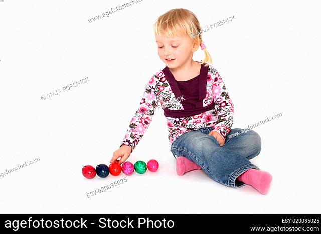 Kind mit Ostereier