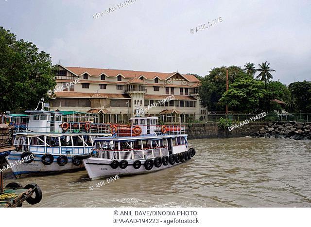 Royal bombay yacht club buildings, mumbai, Maharashtra, india, Asia