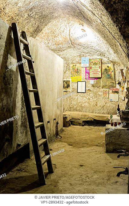 Interior of a traditional underground cellar in Cigales. It was in use between the sixteenth and the eighteenth centuries. Wine Route of Cigales