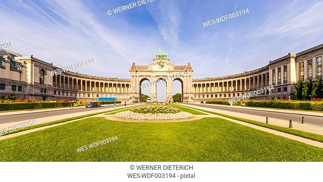 Belgium, Brussels, Parc du Cinquantenaire, Triumphal Arch, Colonnades, Panorama
