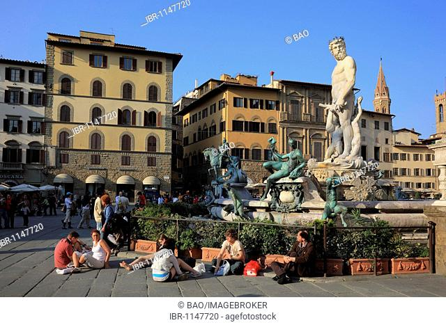Piazza delle Signoria with the Neptune Ammanatis in Firenze, Florence, Tuscany, Italy, Europe