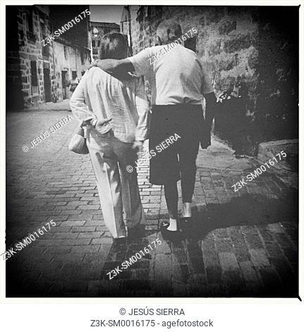 Couple in Navaluenga, Avila province