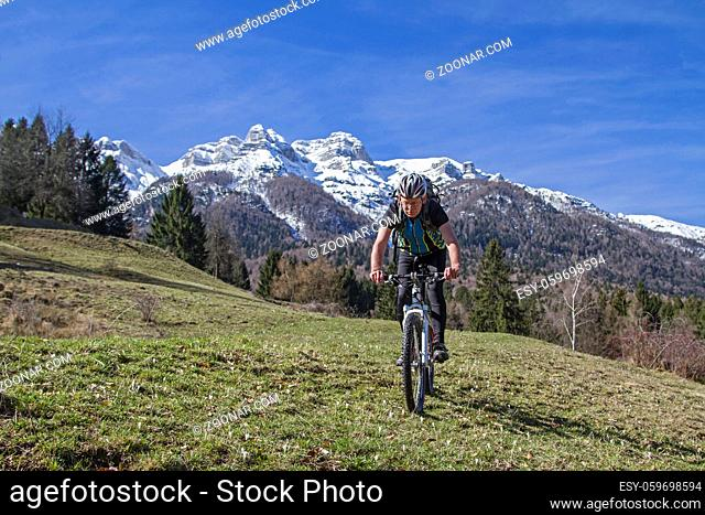 Die Vigolanaberge sind eine Gebirgsgruppe imTrentino mit Gipfeln, die bis fast 2200 m aufragen und zu den Vizentiner Alpen gehören