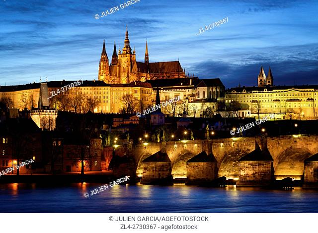 Czech Republic, Prague, historic centre listed as World Heritage by UNESCO, Night view of the Vltava River, the Charles Bridge (Karluv Most)