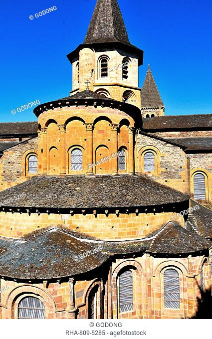 Sainte-Foy de Conques abbey church, Conques, Aveyron, Midi-Pyrenees, France, Europe