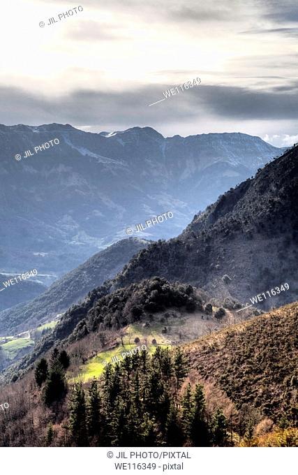 Aralar range seen from the port of Azpiroz  Navarra  Basque Country  Spain