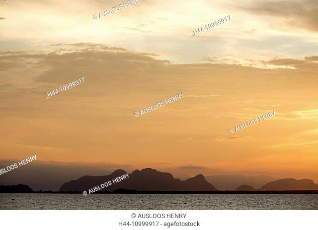 Thailand, Patthalung, view from Tale Noi to the mountains of Khao Pu, Khao Ya National Park