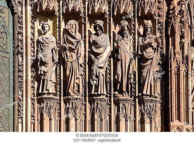 Statues 'Notre-Dame' cathedral Strasbourg Alsace France