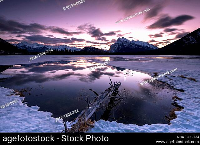 Sunrise at Vermilion Lakes in the Canadian Rocky Mountains, Banff National Park, UNESCO World Heritage Site, Alberta, Canada, North America