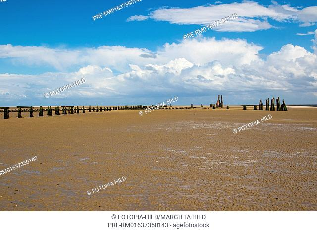 Former Ostanleger at Wangerooge, with Mellumplate lighthouse in the background, Friesland district, Lower Saxony, North Sea, Germany