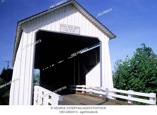 Gallon House Covered Bridge, Silverton, Oregon