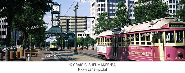 Main Street Trolley Memphis TN