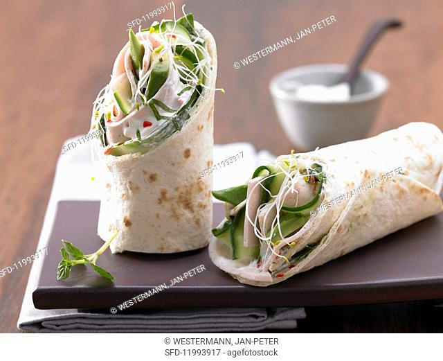 Wraps filled with turkey ham and avocado