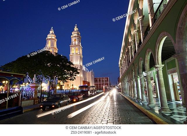 Catedral de Nuestra Senora de la Purisima Concepcion, Cathedral of Campeche at Zocalo in the historical center listed as World Heritage Site by Unesco by night