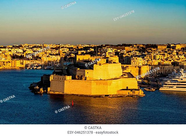 Big fortress Fort St. Angelo in Il-Birgu, Malta