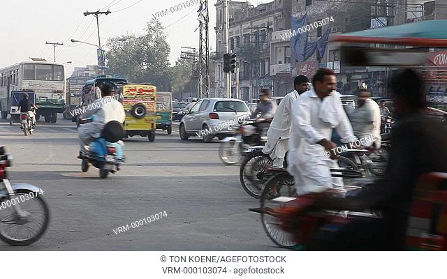 Traffic in downtown Lahore, Pakistan