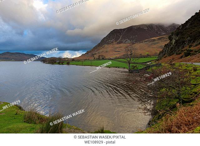 View from Hause Point over Crummock Water towards Grasmoor, Lake District National Park, Buttermere, Cumbria, England, Europe